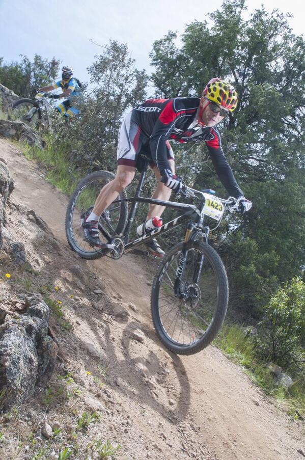 Foto chula de una carrera q hice en Colmenar hace unas semanas. Parezco un pro... http://t.co/aNTx43qNst