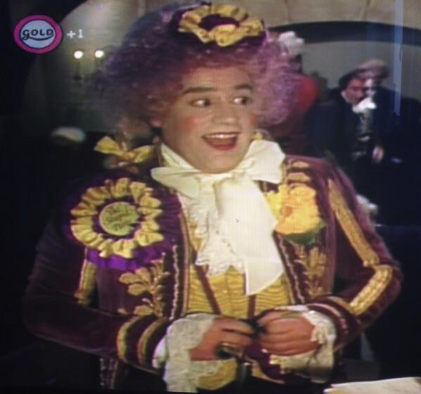 The Standing at the Back Dressed Stupidly and Looking Stupid Party in Blackadder have the same party colours as Ukip http://t.co/KdWAkMgQMI