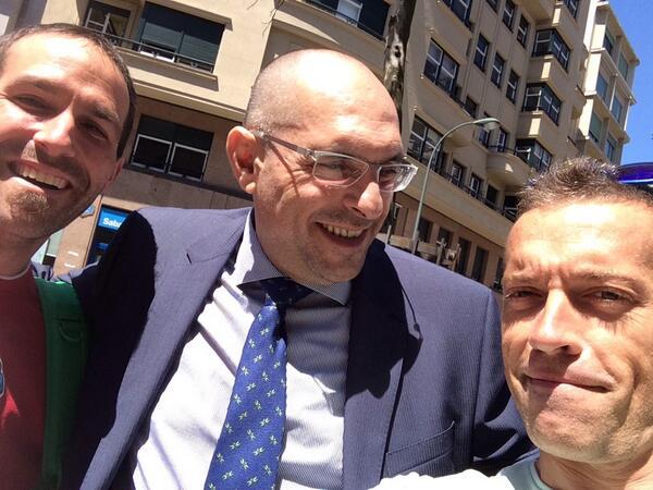 RT @ibongarmendia1: Puntazo primicia el juez #elpidiosilva con el mua en #bilbao para @mananascuatro @JesusCintora un crack le voto fijo http://t.co/tBCMhiiDwu