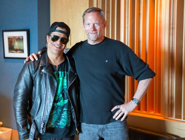 .@Slash stopped by the studio to work with Ted Jensen on the new album with Myles Kennedy and The Conspirators! http://t.co/JvCywaM3Ez
