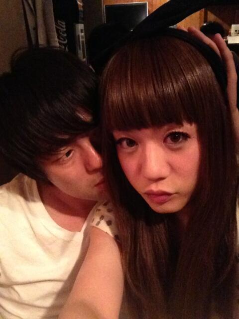 かもめんたる・槙尾ユウスケ (@makiokamomental): 村本さん酔ってる〜! http://t.co/vVIiJ70Qp4