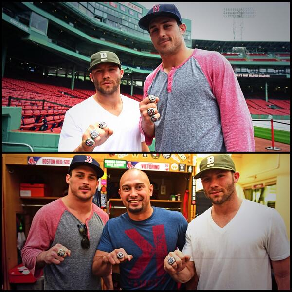 Even @Edelman11 @DannyAmendola & @ShaneVictorino are into the #RingRaffle. Visit http://t.co/ye84HRp2Mu http://t.co/b4HRoaDnf4