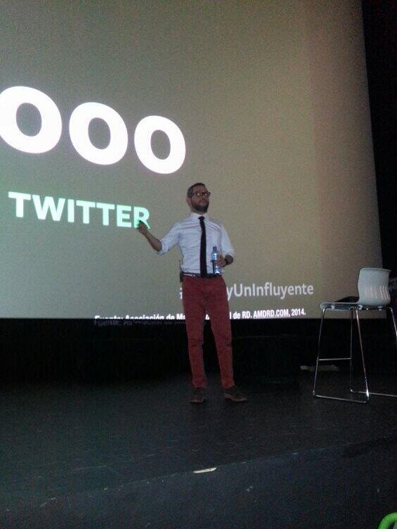Las Redes Sociales no son un medio publicitario. Son para conectar. #tyc2014 #YoSoyUnInfluyente http://t.co/wK6yd9E1wq