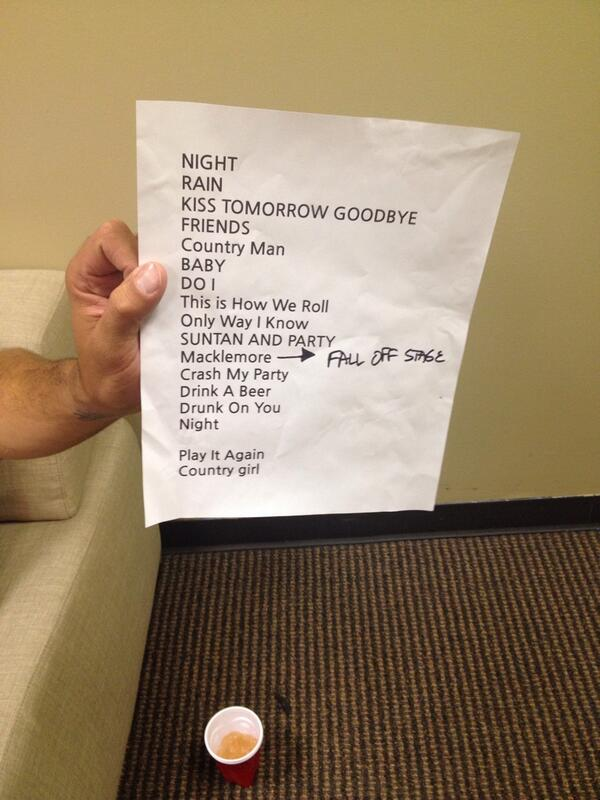 New set list @LukeBryanOnline ready set .... http://t.co/e1eOyJZ7Ts