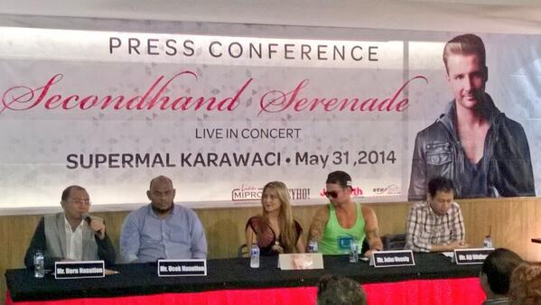 Suasana Press conference @secondhandjohn di Supermal Karawaci cc: @SHS_Indonesia http://t.co/vInGZFGzS6