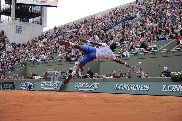 Gaël #Monfils believes he can fly! #RG14 #RolandGarros http://t.co/Yx0IhKqQcs