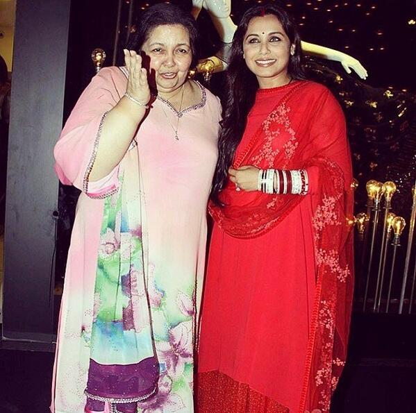 I'm sure there wud b better ways 2announce Rani Mukherjee is married! Bright red, sindoor & chuda!