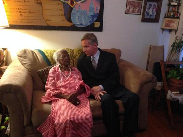 This is the oldest woman in America, and it's her birthday! #JeraleanTalley is 115, and she's awesome. #ac360 #cnn 8p http://t.co/KAdX87yLfD
