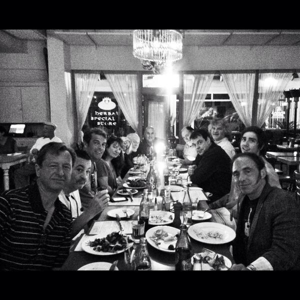 RT @azsweetheart013: @billyjoel @markriveramusic @PizzeriaBianco crew meal.  Old friends. @nilslofgren Beautiful night. Photo @bblue227 http://t.co/KulerxbQ0w