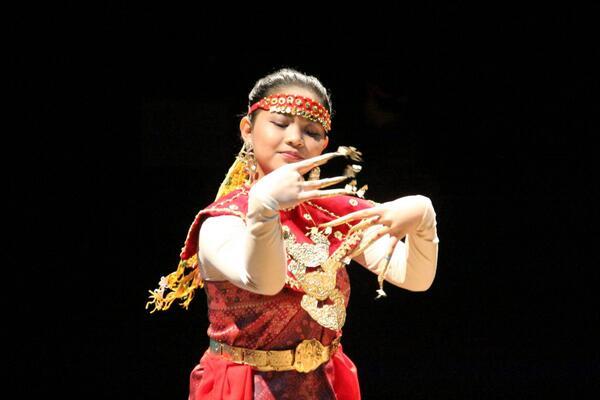 Pelajar Indonesia membawa budaya Indonesia ke Newcastle http://t.co/BgvMyZe1BC http://t.co/TABfJwLIdA