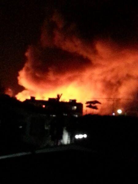 ไฟไหม้ตลาดน้ำโบราณบางพลี2 http://t.co/oXxnvpIJ95