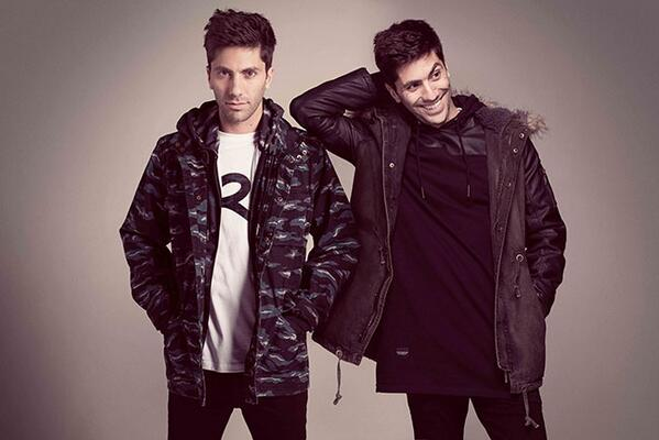 Welcome to the #Roc @Rocawear family @NevSchulman! #Catfish @MTV #RocawearEurope http://t.co/iTL6himMLg http://t.co/gSjCwA4gQR
