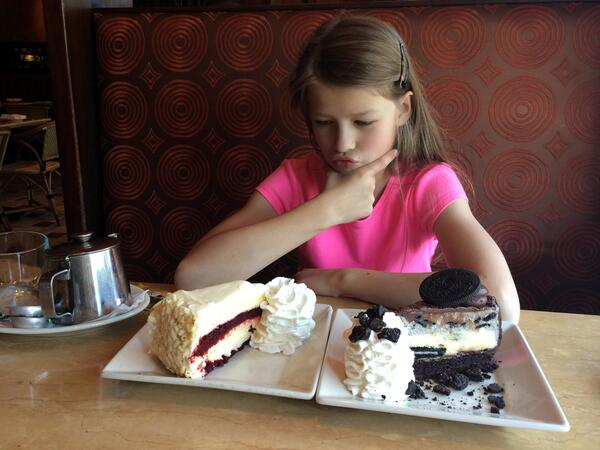 Decisions, decisions... (at The @Cheesecake Factory DC) http://t.co/wTXCu4NL39