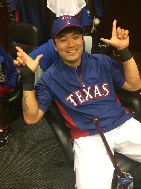 Someone's really excited about @TexasTech night at the @Rangers game. #gunsup http://t.co/k9lRveyMc8