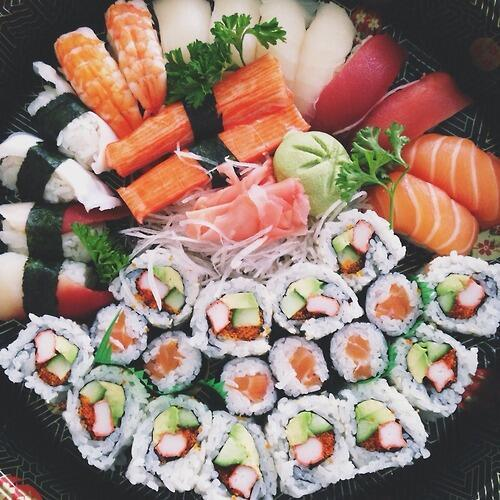 I love sushi http://t.co/0xmSxJbABY