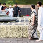 Rajiv Gandhi remembered on 23rd death anniversary http://t.co/8ZgfEGNbSP http://t.co/OFU2wMQKm6 #RememberingRajiv