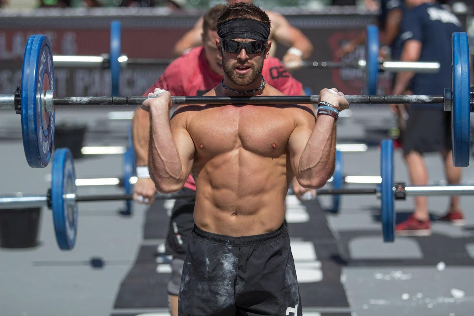 ¡Nos gusta el Crossfit! Aquí, Rich Froning en plena competición: grande, fuerte y definido http://t.co/JjMgfatdil