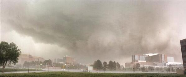 Another crazy view of the #Denver storm http://t.co/wbhkVXRr67