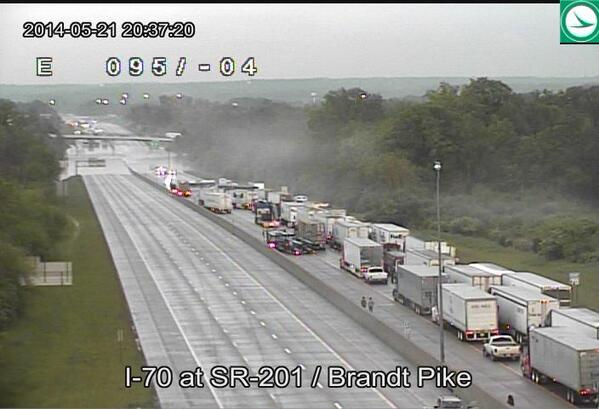 Another view of flood on I-70.  Never a good sign when people are walking on  interstate. #OHwx http://t.co/2yo1uwTLwq