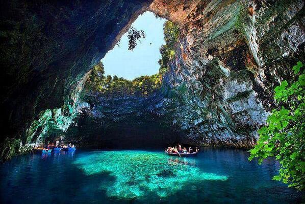 كهف ميلساني في اليونان. #معلومات_سياحية http://t.co/12Tw4GMuJ9