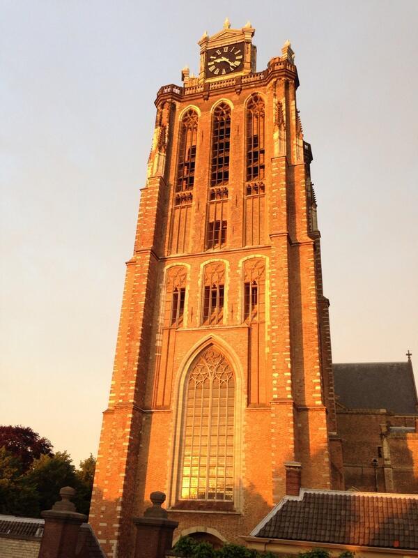 Avondrood, mooi weer in de boot! Gunstig voor Dordt in Stoom! Kom jij ook naar Dordrecht dit weekend? #dis14 http://t.co/Tq6pzRTCjR