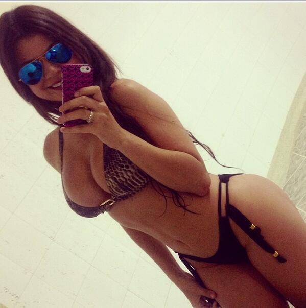 LinitaGonzalez (@LINITAMARGARITA): Hola amiguitos les dejo hoy fotico grabando comercial