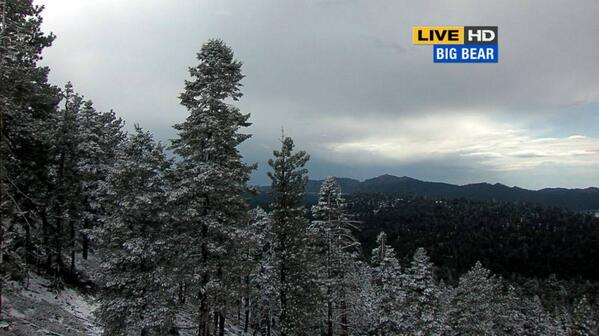 Big Bear snow in May! RETWEET the proof http://t.co/Ay5MYDcSl2 http://t.co/XiknSlKHai