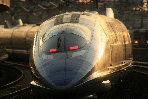 Japanese shinkannsen   القطار الطلقة الياباني http://t.co/CU66LtzWcT