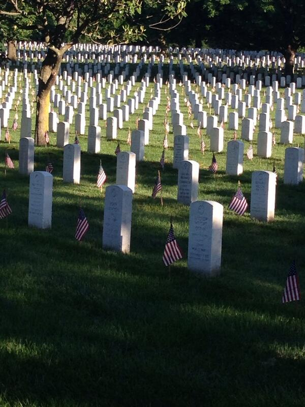 Arlington cemetery this morning. A flag on every marker for Memorial Day. More than 200,000. http://t.co/NjCiAS2Qwp