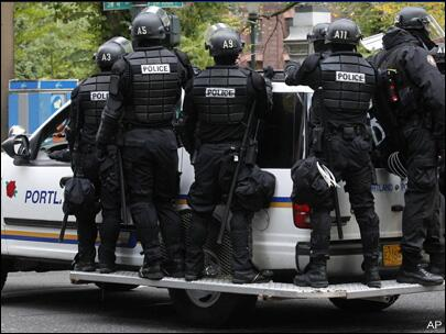 Riot police dispatched as angry Portlanders realize the boil water notice means no cold-brewed coffee. http://t.co/NvxfXkxs0U