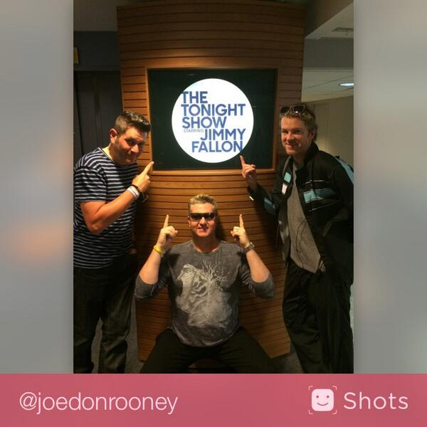 Me & my @rascalflatts gang gonna hang w our buddy @fallontonight !!!  Check us out tonight! #… http://t.co/pDy9PGlx6B http://t.co/R89XMm7DJE