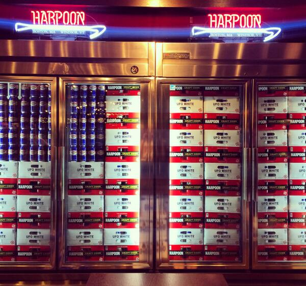 Cheers 2 those who have served & are serving – hope ur fridge is as full as ours  http://t.co/owCo9wE7l3 #MemorialDay http://t.co/PtVzaqJWlJ