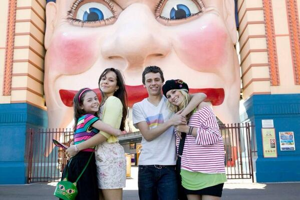 Throw back to season one, when Abigail, Sammy, Kat and Paige went to Luna Park. Such a fun ep! http://t.co/ehgOzKzvT0