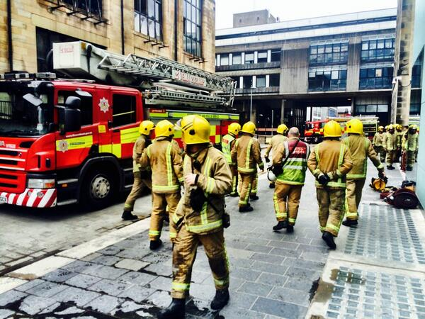 Every single member of the Scottish Fire Service should be proud for saving The Glasgow School of Art #superheros http://t.co/aUkRVIPfiI