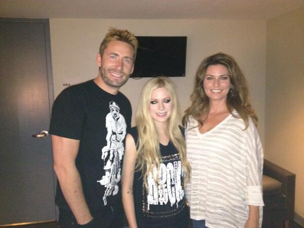 Reuniting with Canadian friends @AvrilLavigne and Chad backstage after Avril's concert at Planet Hollywood! http://t.co/MqkdvrdnsX