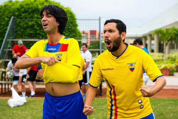 Os garotos con #seddegloria, tenemos #tiempoextra para irnos a Brasil @PilsenerEcuador. ¡Vamos! @Elboon RT porfa http://t.co/MYbenTcmvD