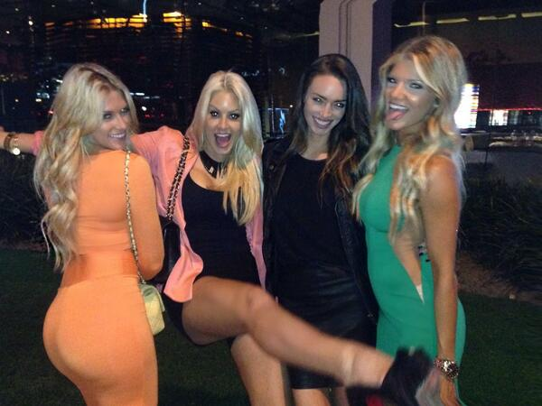 Girls' Night Out! Blonde bombshells..and then there me. @Reed_KR @TheBarbieBlank @maryse0uellet http://t.co/MR1OruozdC