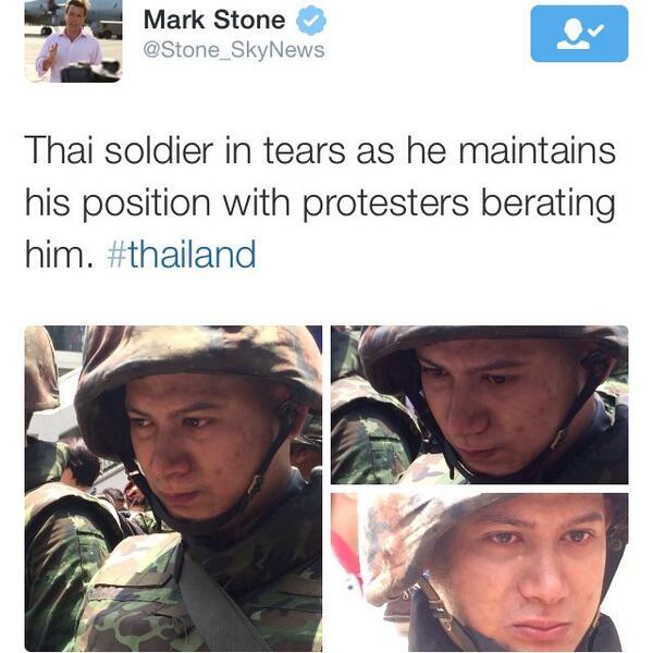 """@yoware: หลั่งน้ำตา!  ต่างชาติเผยภาพทหารที่ปฏิบัติหน้าที่ กล้ำกลืนคำด่าต่อต้านจนกลั้นน้ำตาไม่อยู via @Stone_SkyNews http://t.co/b2OXuKJaZL"""