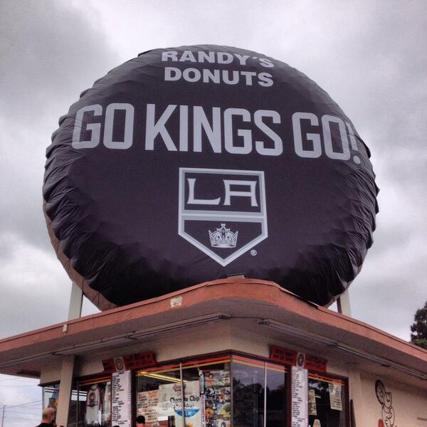 Iconic Donut Converted Into Hockey Puck For Los Angeles Kings