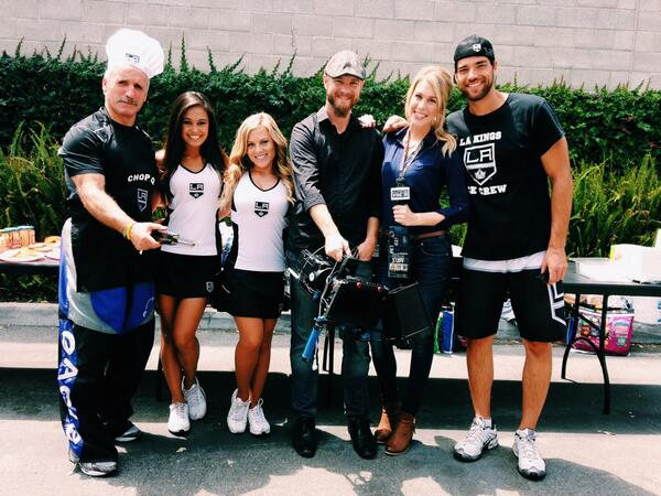 Because BBQn' at an ice rink with @DarylEvans15, the @LAKingsIceCrew, & @KingsVision is super fun