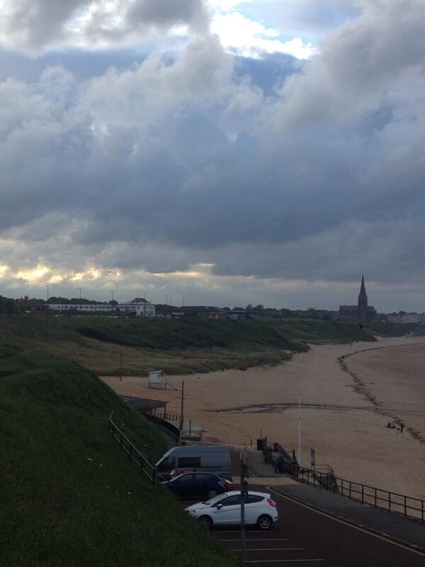 #Tynemouth longsands wins beach status one of the cleanest beaches in Europe http://t.co/F2NUBd0Q9S