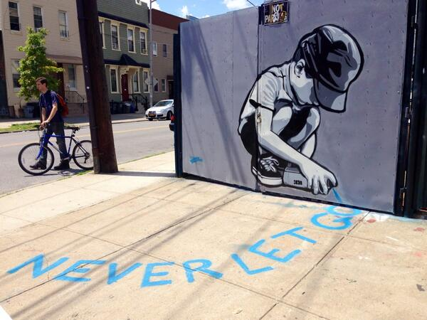 Exploring today at @TheBKcollective – 'Never Let Go' by @joeiurato #streetart #Bushwick http://t.co/eROsA2npu9