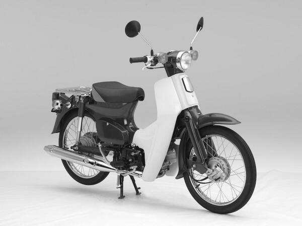 乗り物として初!世界で最も多く生産された二輪自動車=Hondaの「スーパーカブ」の形状が、特許庁から立体商標として登録されることが決定しました!! http://t.co/Ec0d6YUzOl http://t.co/4Ew2qvpo8F