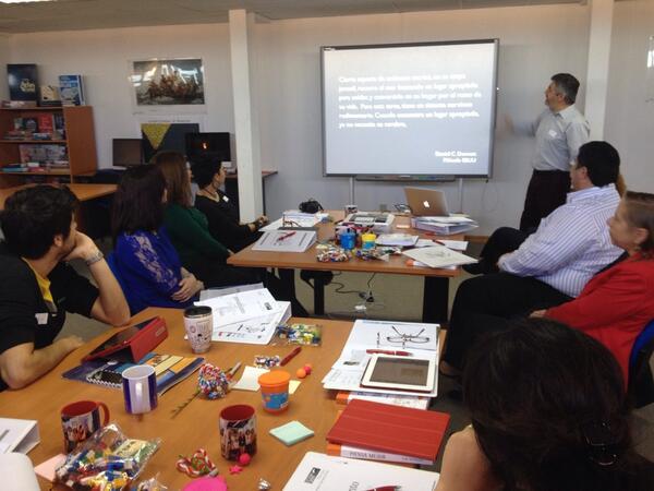"RT @umagallanes: #WorkshopACC Taller de creatividad , que entretenido resulta pensar @CornerUTA @ACornerUDP @AASTCHILE http://t.co/IBpWa80CdX"""