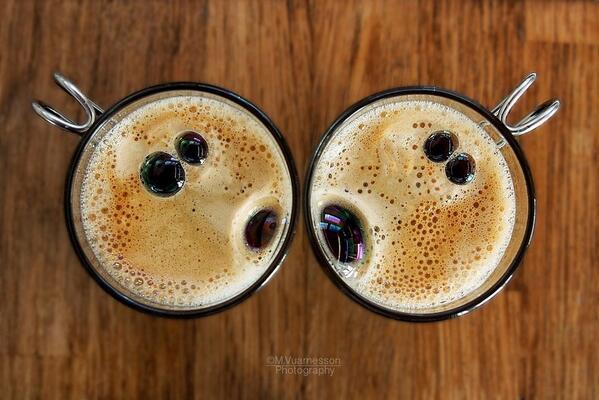 Ничто так не бодрит утром, как два удивленных кофе http://t.co/tz0UKzBYXm