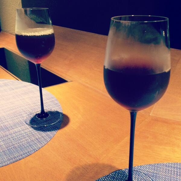 久々にかしゆかちゃんとご飯した、こんなグラスだけど ふたりともウーロン茶。 http://t.co/huSqG1utOQ