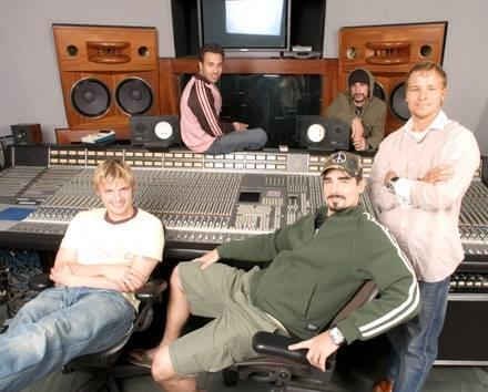 "Wow indeed! hehe RT ""@hochleebran: WOW BSB ♥♥♥♥♥♥♥♥♥♥♥♥ KTBSPA   http://t.co/7IILfWQPGc"""