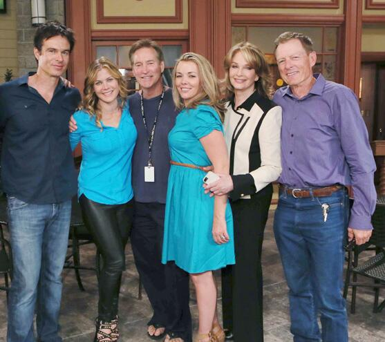 """@1BSBFAN: ""@docandjohn4ever Love this picture @nbcdays @DeidreHall @Ali_Sweeney @Christie__Clark @MuldoonPatrick http://t.co/RkVNYpveBy""<3"""