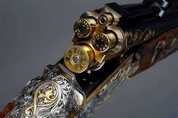 Now that is a beautiful #shotgun http://t.co/cZRChVCv8q