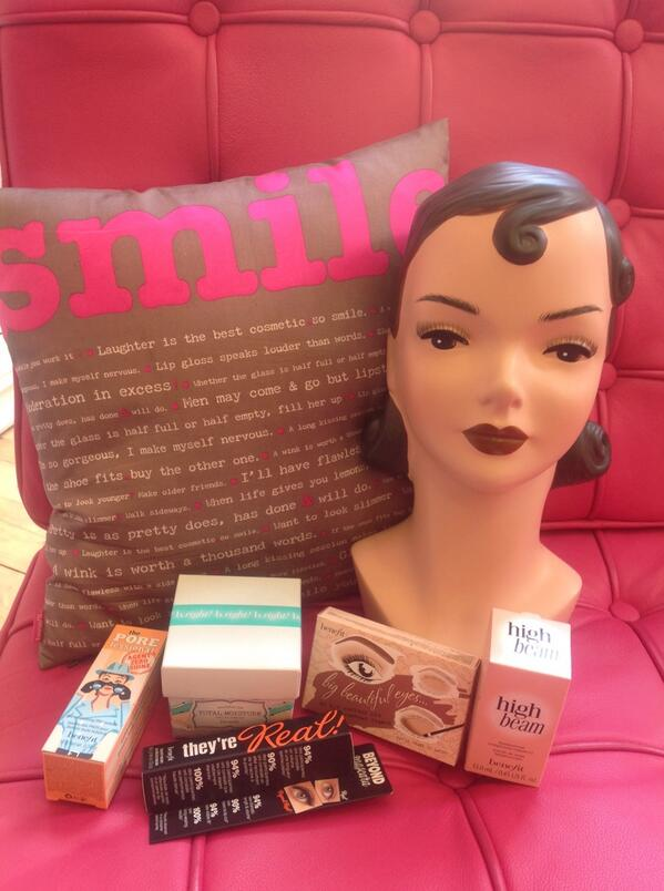 Fancy winning all of these @Benefit_IRE goodies worth €150? Just follow us and tweet #xpose to be in with a chance! http://t.co/cCl3isUtuy